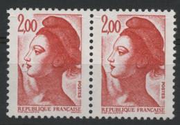 N° 2274 G Type Liberté Variété Mouche Devant La Bouche Tenant à Normal. Neuf Sans Charnière ** MNH. TB - Varieties: 1980-89 Mint/hinged