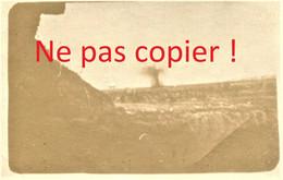 4 PETITES PHOTOS FRANCAISES - DIFFERENTES EXPLOSIONS D'OBUS DE 210 DEVANT UNE TRANCHEE - GUERRE 1914 1918 - 1914-18