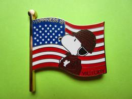 Pin's BD Snoopy Drapeau État-Unis - 5AA23 - Comics