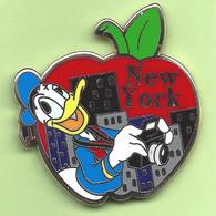 Pin's Disney BD New York Pomme Donald - 6AA01 - Disney
