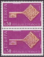 1556, Paire, Timbre Du Bas Clé Maculé De Violet, Neuf - Varieties: 1960-69 Mint/hinged