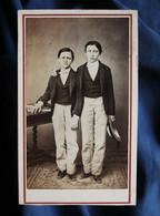 Photo CDV  Rouet à Montpellier  2 Jeunes Garçons élégants  Habits Identiques  Sec. Empire  CA 1865 - L566A - Anciennes (Av. 1900)