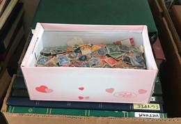 Lot De 330g Plusieurs Milliers Timbres - Kisten Für Briefmarken