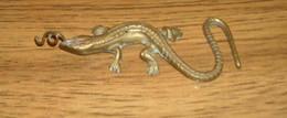 Ancienne Salamandre En Laiton 14 Cm De Longueur - Bronzi