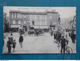 09 - St-GIRONS - Place Des Esquives Et Route D'Aulus - Animée: Cafés VIVES, LIZIER POUECH, Auto-Garage, Bicyclette, Voit - Saint Girons