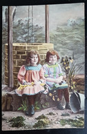 Grete Reinwald Et Sa Soeur Hanni Avec Puit - Portraits