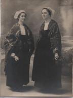 Tirage Papier D'une Photographie/ Deux Jeunes Femmes En Costumes Bretons? / Identifiées/ 1920   PHOTN542 - Personas Identificadas
