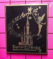 412B Pin's Pins / Beau Et Rare / THEME : DISNEY / DISNEY LAND PARIS Grand Pins FEE CLOCHETTE CHATEAU MAGIQUE Par SOFREC - Disney