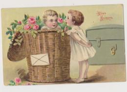 Cpa Fantaisie Gaufrée / Fillette Regardant Un Petit Garçon Dans Un Panier En Osier Rempli De Roses. Bons Baisers - Children's Drawings