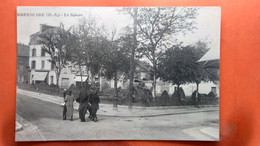 CPA (79) Bressuire . Le Square.  (AB.823) - Bressuire