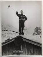 Portrait D'Alain Giletti En Stage De Patinage Artistique à Chamonix (Haute-Savoie). Mars 1956. Piste Des Houches. - Sporten