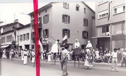 Photo Foto Persfoto - Montigny Suisse- Cortège , Stoet - 5 Aug 1981 - Unclassified