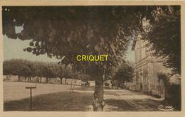 86 Sanxay, La Place, Carte Pas Courante Affranchie 1943 - Sonstige Gemeinden