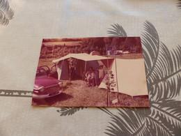 25-9 , 756 , Photo D'un Camping Et D'une Panhard Dyna, Circa 1970 - Coches
