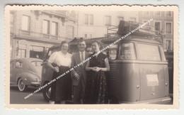 PHOTO / PRES POUR NOTRE VOYAGE EN VW T1 BUS SAMBA / VOLKSWAGEN BELGIQUE PLAQUE 991525 ANNEES 50 - Toerisme