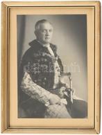 Cca 1930-1940 Férfi Díszmagyarban, Karddal, Fotó üvegezett Keretben, 19,5x12,5 Cm, Külső Méret: 24,5x18 Cm - Non Classificati