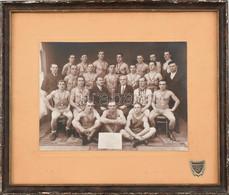 1938 Makó, MAK Birkózók Csoportképe, Rengeteg éremmel, Kartonra Kasírozott Fotó Bucskó Gyula Fényképészeti Műterméből, K - Non Classificati
