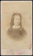 Cca 1870 Báró Eötvös Józsefné Rosty Ágnes (1825-1913), Pest, J. Schrecker Műterméből, Keményhátú Fotó, Foltos, 10x6 Cm - Non Classificati