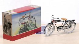 Bicycle - Schwinn Black Phantom 1990 Die Cast Model 1:6 Scale - Altri