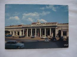 MONTPELLIER (34) La Gare SNCF Et La Place Avant Les Lignes De Tramway - Avant 1980 - Montpellier