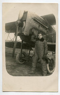 AVIATION NEUSTADT 018- Régim 12 Em RAB  CARTE PHOTO   Aviateur   Devant Avion De Combat   1923 écrite Voir Infos - Unclassified