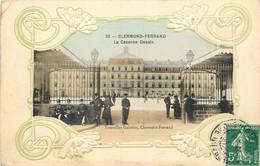 63 - CLERMONT FERRAND -  LA CASERNE DESAIX - CARTE GAUFREE - Clermont Ferrand