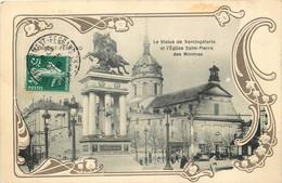 63 - CLERMONT FERRAND -  LA STATUE DE VERCINGETORIX ET L'EGLISE DES MINIMES - CARTE GAUFREE - Clermont Ferrand