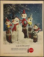 Publicité Papier 1961 Coca-Cola La Joie Des Fêtes Partout  Noël Sapin Snowman 20 X 26, 5 Cm - Altri