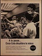 Publicité Papier 1961 Noir Et Blanc Coca-Cola  A La Pause Coca-Cola Désaltère Le Mieux Caddie 20 X 26, 5 Cm - Altri