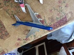 AIRBUS A 380 PLASTICA  ! - Aerei