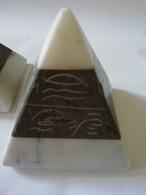 Petites Pyramides En Marbre - Altri