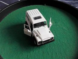 Voiture Miniature Collection Welly ,1/39 - 1/43, Métal, Land Rover Defender, 11 Cm Emballée - Other