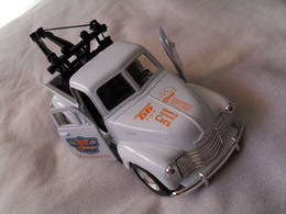 Voiture Miniature Collection Welly ,1/39 - 1/43, Chevrolet Truck 1953, 11,5 Cm Emballée - Other