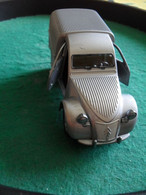 Voiture Miniature Collection Welly ,1/34-1/39, Citroën 2 Cv Fourgonnette Emballée - Other