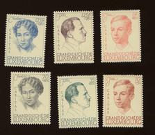 1939 **    Série 325-329  **  C Yv. 50,-euros - Neufs