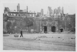 SAINT-MALO - Photo Porte Saint-Vincent Après Le Bombardement - 8,5 X 5,7 Cm - Guerra, Militari