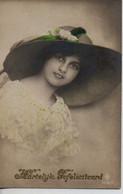 Vraie Photo    : Jolie Femme à La Capeline - Frauen