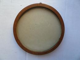Ancien Cadre Pour Photo Diamètre: 13,5cm - En Bois De Rose, Avec Son Verre Et Son Anneau - Non Classificati