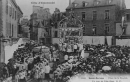 SAINT-SERVAN - Place De La Roulais - Un Jour De Fête-Dieu - Saint Servan
