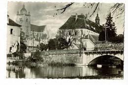 Dole - La Collégiale, Vue Depuis L'écluse - Circulé 1946 - Dole