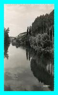 A910 / 661 27 - ACQUIGNY Env De Louviers Bords De L'Eure - Acquigny