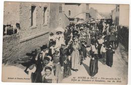 CPA 44 : 27 - BOURG De BATZ - Fête Annuelle Du Sel - Défilé De Paludiers Et Paludières Rue Du Midi - Ed. Artaud Nozais - Batz-sur-Mer (Bourg De B.)