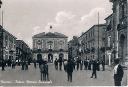 B4932 -Niscemi, Piazza Vittorio Emanuele, Viaggiata 1956 F. G. - Caltanissetta