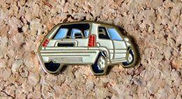 Pin's RENAULT SUPER 5 - Peint Cloisonné - Fabricant Inconnu - Renault