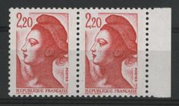 """N° 2376 Type Liberté Avec 2 Variétés """"triangle Rouge Sur Le Cou"""" Et """"bande De Phosphore à Cheval"""" Neufs ** (MNH). TB - Varieties: 1980-89 Mint/hinged"""
