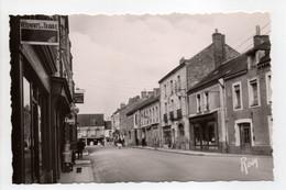 - CPSM BLAIN (44) - Rue De Nantes, Vers La Place De L'Eglise - Edition Chapeau N° 18 - - Blain