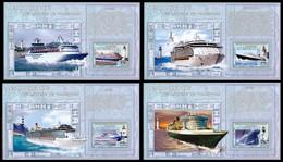 4 BL** - Les Paquebots / Cruise Schepen / Kreuzfahrtschiffe / The Liners - CONGO - Ongebruikt