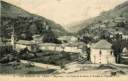 Meyrueis * Vue Sur Le Temple Et L'église * La Vallée De La Jonte * Panorama Du Village - Meyrueis