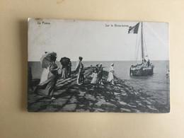 DE  PANNE 1908     LA  PANNE  SUR LE  BRISE-LAMES  ( VISSERSBOOT -  BARQUE DE PECHE ) - De Panne
