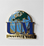Pin's Mappemonde UM Universal Media Belle Qualité -rc - Altri